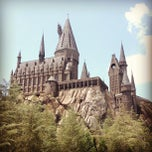 Photo taken at The Wizarding World Of Harry Potter by Anne S. on 5/18/2013