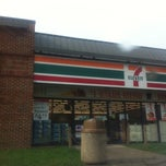 Photo taken at 7-Eleven by MsDanie L. on 9/8/2011