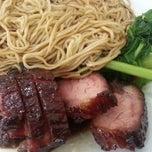 Photo taken at Char Siew Zhai Wantan Mee Restaurant 叉烧仔 by Kumar on 7/12/2014