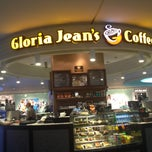 Photo taken at Gloria Jean's Coffees by Gloria Jean's Coffees Türkiye on 5/30/2013