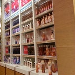 Photo taken at Bath & Body Works باث أند بادي ووركس by Sara P. on 1/20/2013