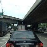 Photo taken at สะพานพระราม 3 (Rama III Bridge) by [⚽️⛳️SURAK ⛳️⚽️ on 10/4/2013