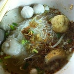 Photo taken at ก๋วยเตี๋ยวซ้ง สาขา2 by May-May N. on 10/27/2012