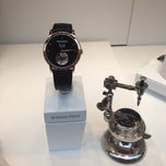 Photo prise au Audemars Piguet Boutique par Kirill K. le11/29/2013