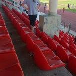 Photo taken at Erdem Kocak Atletizm Sahasi by Busraa I. on 5/24/2013