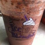 Photo taken at The Coffee Bean & Tea Leaf by Reiko S. on 3/17/2013