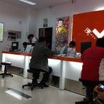 Photo taken at 中国联通 营业厅 | China Unicom by Beterhans on 5/10/2013