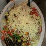 Photo taken at Chipotle Mexican Grill by Miriam H. on 3/6/2013
