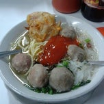 Photo taken at Bakso Sederhana by Adhe R. on 10/18/2013