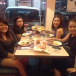 Photo taken at Shakey's by Ghelyn R. on 3/2/2015