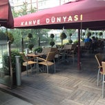 Photo taken at Kahve Dünyası by yük$€£ on 7/4/2013