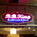 Photo taken at B.B. King Blues Club & Grill by Luis C. on 9/3/2011