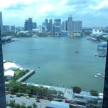 Photo taken at Marina Bay Financial Centre (MBFC) Tower 1 by Helmi S. on 9/11/2014