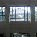 Photo taken at Gedung Rektorat Universitas Brawijaya by Frizas Ramadhan P. on 4/11/2013