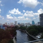 Photo taken at Sawasdee Sukhumvit Inn by Samantha Z. on 5/4/2013
