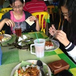 Photo taken at Nasi Dagang Mek Puan by Asri N. on 4/8/2013