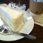 Photo taken at Starbucks (สตาร์บัคส์) by TonNam on 3/4/2013