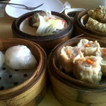Photo taken at King Bee Chinese Restaurant by Aries A. on 11/9/2012