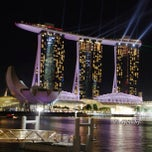 Photo taken at Marina Bay Sands Hotel by Vanny A. on 6/30/2013