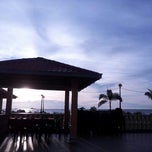 Photo taken at Pantai Jeram Restoran Ikan Bakar & Katering by syukri a. on 11/27/2012