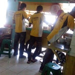 Photo taken at Bakso Malang & Mie Ayam Cak Surat by Wahyu PD on 8/11/2013
