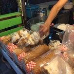Photo taken at ร้านฟองนม (สังขยา-ขนมปัง-นมสด) by Attanard C. on 3/24/2015