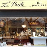 Photo taken at La Perla Fine Jewelers by Robert L. on 12/17/2013