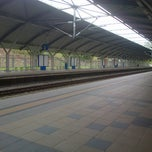 Photo taken at KTM Komuter Kuala Kubu Bharu (KA14) Station by EmanTheHalia on 4/11/2013