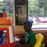 Photo taken at Bojangles' Famous Chicken 'n Biscuits by Tamra K. on 5/10/2014
