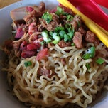 Photo taken at Mie Pansit Ujung Sunggal by Xxxx X. on 6/14/2013