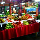 Photo taken at Yellow Green Farmers Market by Larry H. on 8/25/2013