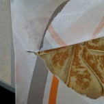Photo taken at Taco Bell by Shonah on 5/17/2014