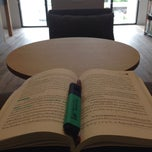 Photo taken at Rufus D.Smith Library ห้องสมุด รูฟุส ดี. สมิธ by Ppang S. on 9/13/2014