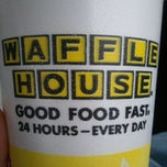 Photo taken at Waffle House by Rushme 2. on 11/20/2011