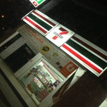 Photo taken at 7 Eleven by Adi A. on 7/27/2013