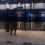 Photo taken at Bank Mandiri Cabang Kendari Mesjid Agung by Munir H. on 2/21/2014