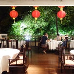 Photo taken at Min Jiang Chinese Restaurant by Takeshi N. on 2/16/2015