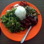 Photo taken at Sendok Garpu by Jaya K. on 5/20/2013