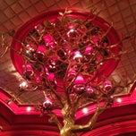 Photo taken at Encore Las Vegas by Gregory G. on 4/26/2013