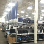 Photo taken at Best Buy by Manoel F. on 11/29/2014