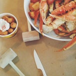 Photo taken at Harris Crab House by Minna S. on 10/13/2013