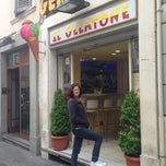 """Photo taken at Gelateria """"Il Gelatone"""" di Ilia by Dani A. on 4/20/2013"""