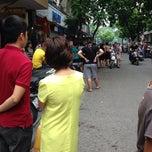 Photo taken at Nguyễn Xí by 🐷Fia🐨 B. on 8/7/2014