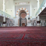 Photo taken at Masjid Jamek Sultan Abdul Aziz by Asmadi M. on 11/24/2012