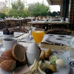 Photo taken at Dundar Hotel Kahvalti Salonu by Ersin Ç. on 9/17/2014