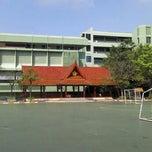 Photo taken at โรงเรียนทวีธาภิเศก (Taweethapisek School) by daeman on 3/2/2013