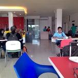 Photo taken at Amaris Hotel Banjar by aris s. on 12/12/2014