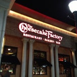 The Cheesecake Factory is well known for their decadent cheesecakes and baked goods. Although expensive, their cheesecakes are delicious and very popular. Their expansive menu consists of savory pasta dishes, a wide variety of appetizers, pizzas, burgers, and steaks.