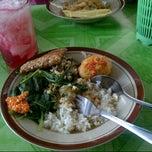 Photo taken at Warung Pokwe Bu Trini by iir w. on 4/23/2013