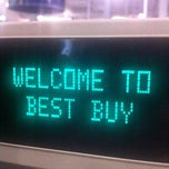 Photo taken at Best Buy by Kevin R. on 10/17/2013